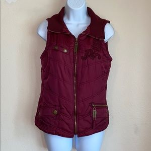 Maurices Burgundy Embroidered Puffer Vest Sz M